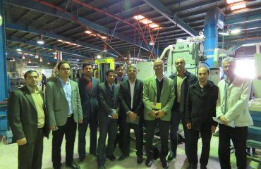 بازدید جمعی از اعضای هیئت علمی دانشگاه از کارخانه فنرلول