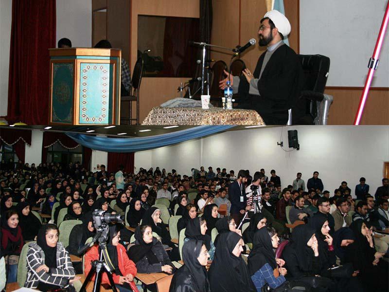 """جشن """"میلاد رسول اکرم (ص)"""" و مراسم بزرگداشت """"روز دانشجو"""" در دانشگاه دامغان"""