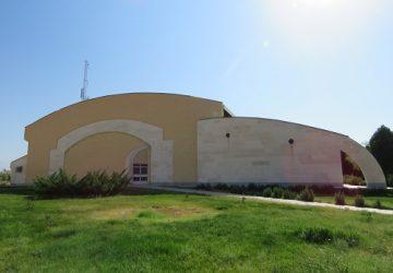 سالن ورزشی سلمان فارسی دانشگاه دامغان