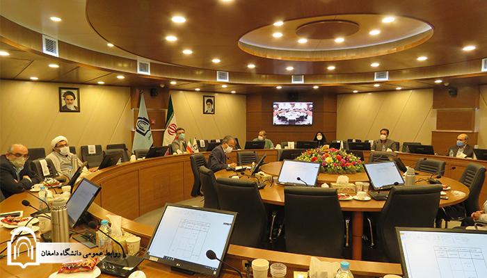 شورای دانشگاه با حضور اعضا برگزار شد