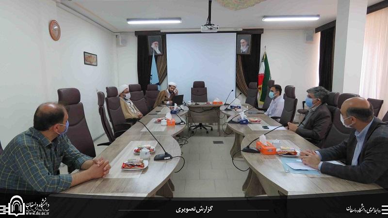 پنجمین نشست تخصصی دبیرخانه دائمی وحدت حوزه و دانشگاه برگزار شد.